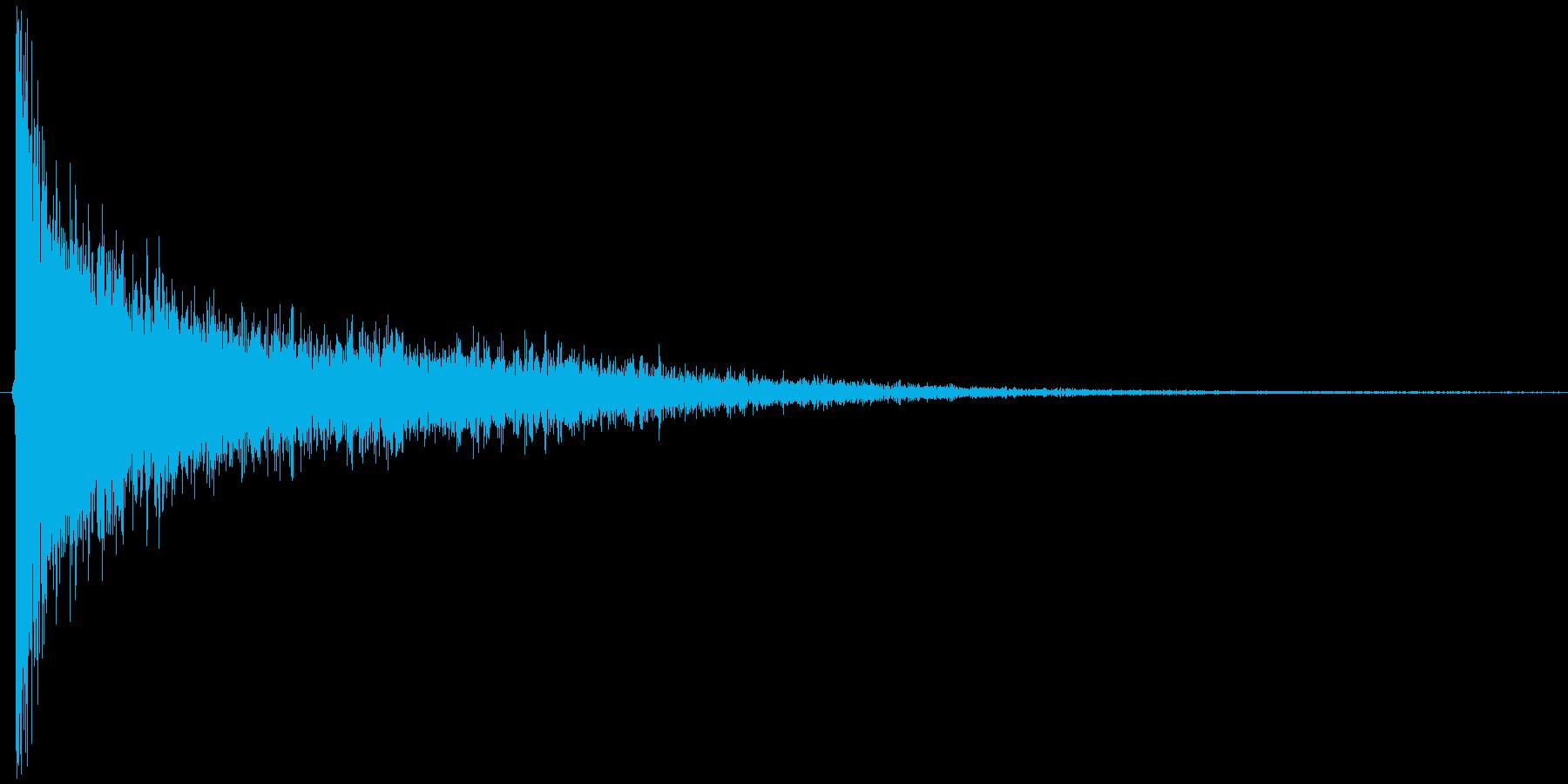 ゴーン。驚愕・ショックの音(低)の再生済みの波形