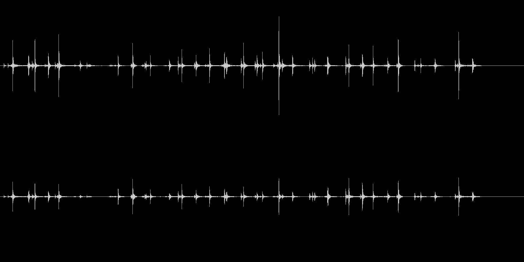 キーボードをタイピングするリアルな効果音の未再生の波形