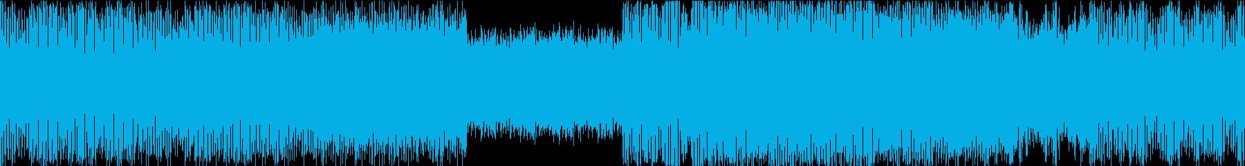 【ループ】リズム重視の重低音ダンス楽曲の再生済みの波形