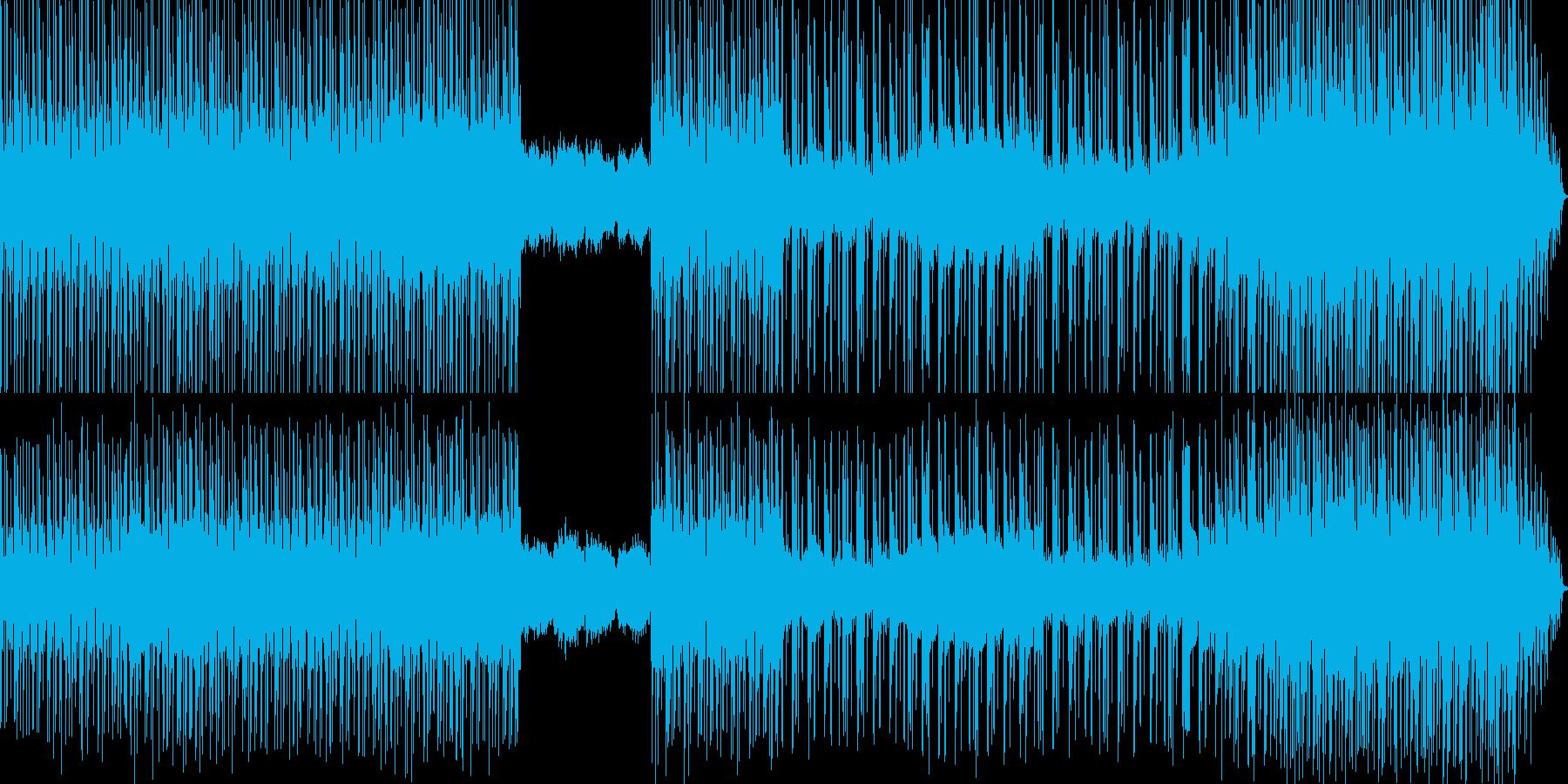 流れるピアノと機械的テクノのミックスの再生済みの波形