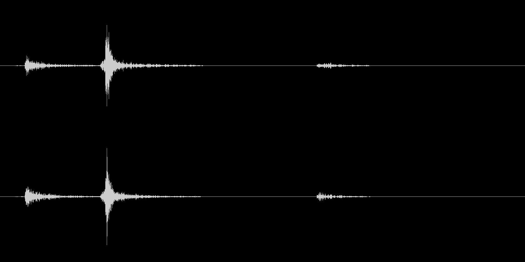 カセットデッキ 電源ボタン カチッの未再生の波形