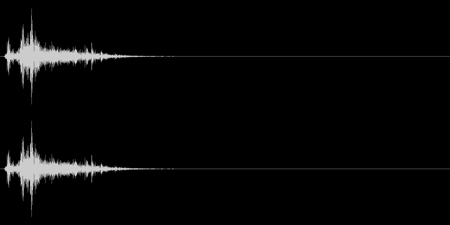 ドサッ(人が倒れる音)07の未再生の波形