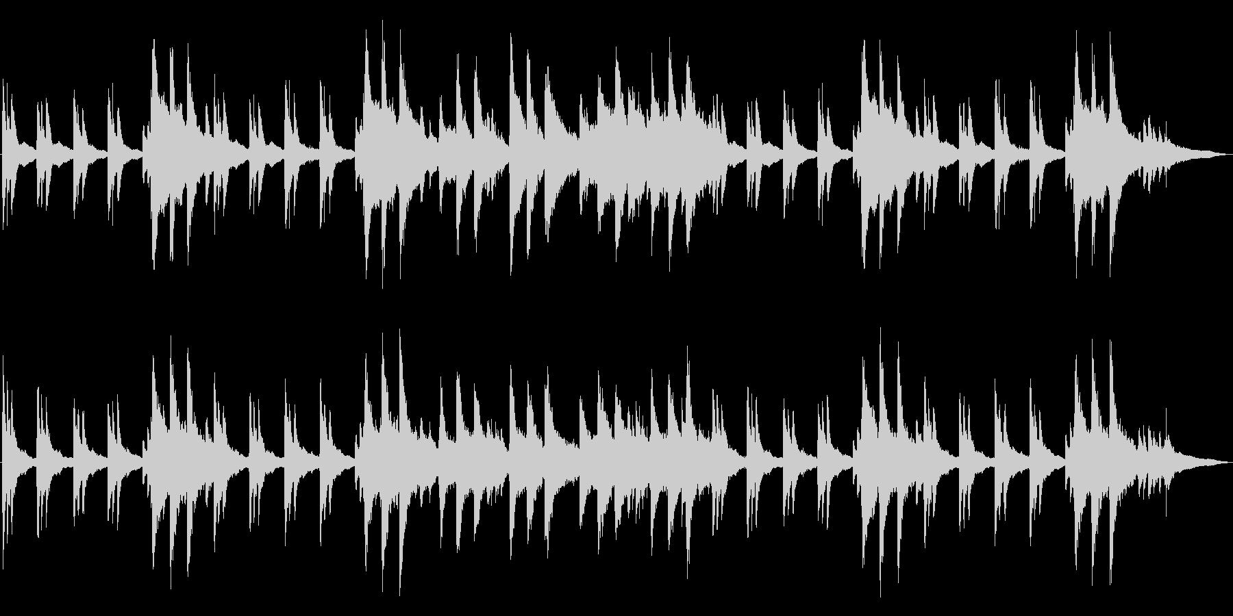 静寂の中で流れる神秘的なピアノの未再生の波形