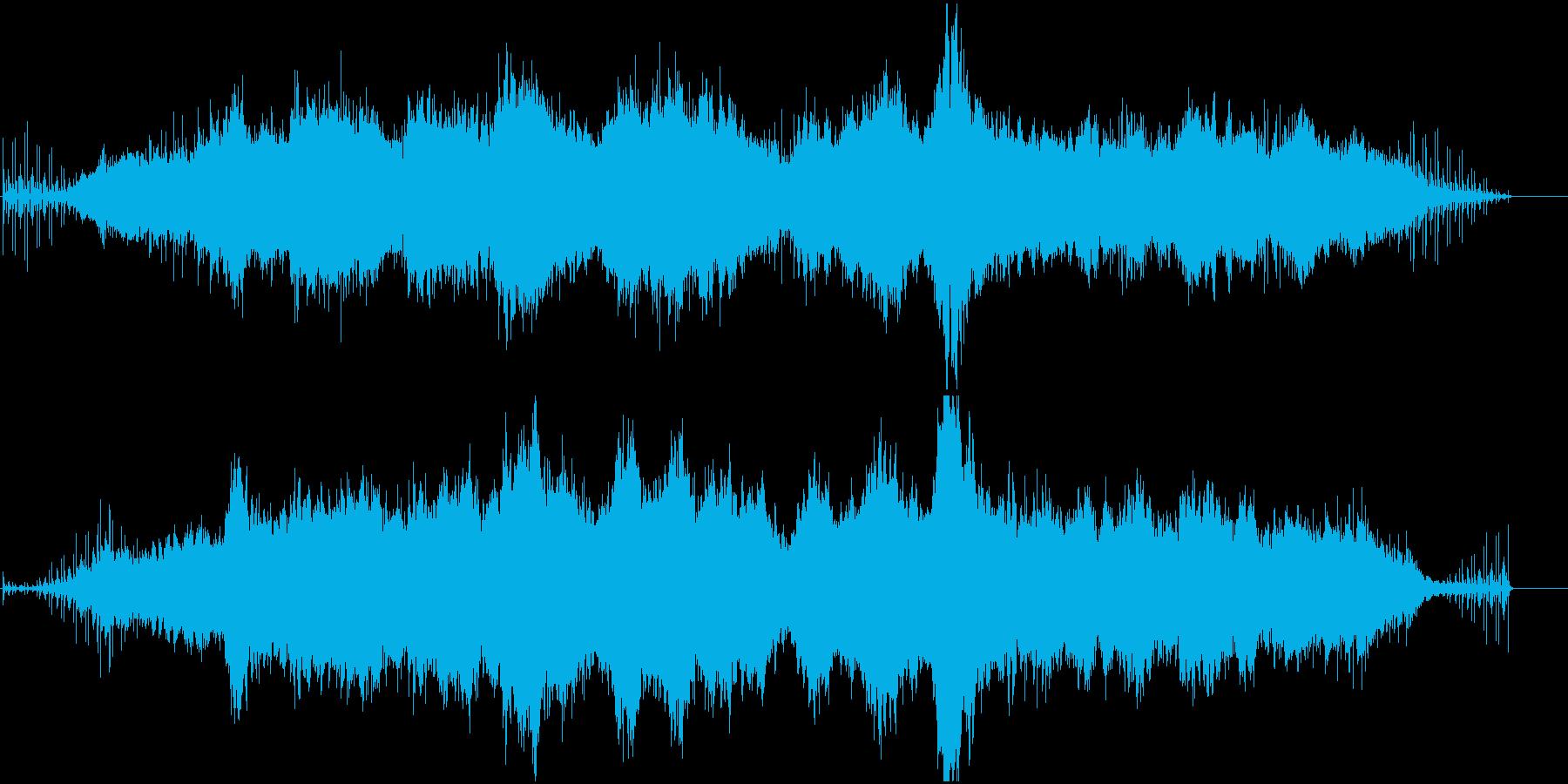 リズムボックスとシンセのアンビエントの再生済みの波形