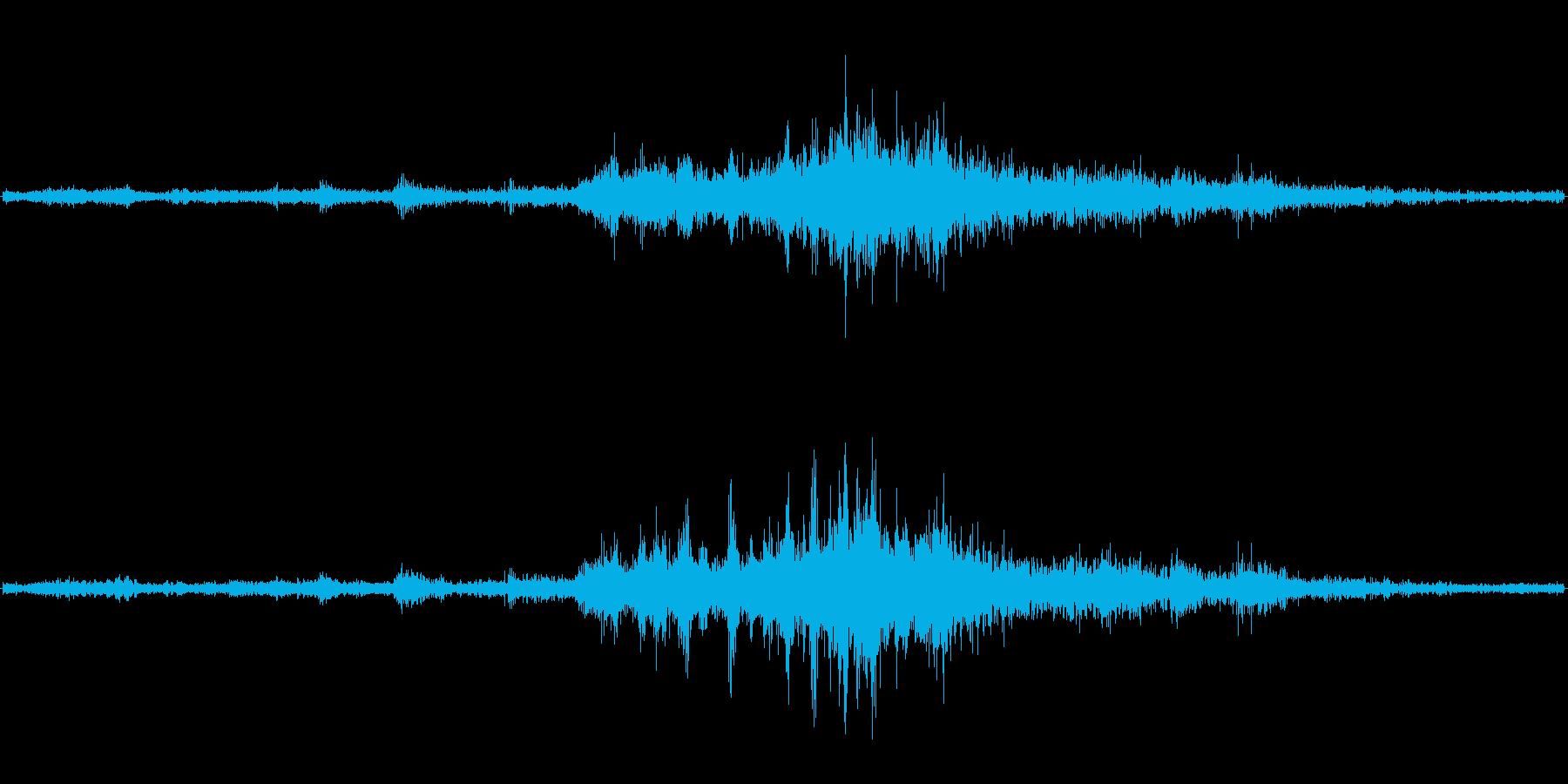 バイノーラル録音戦闘機2の再生済みの波形