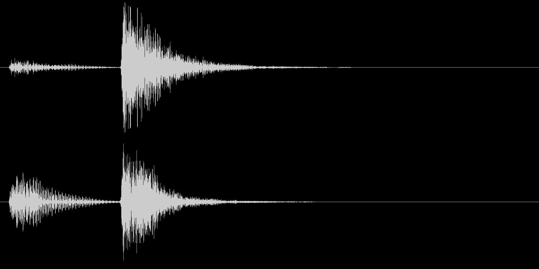 ストリングスのピッチカートによる〆の和音の未再生の波形