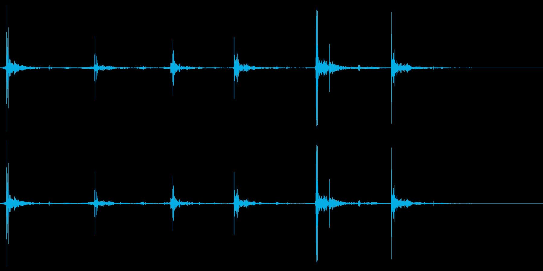 【マイク収録】パタパタと床を走る足音の再生済みの波形