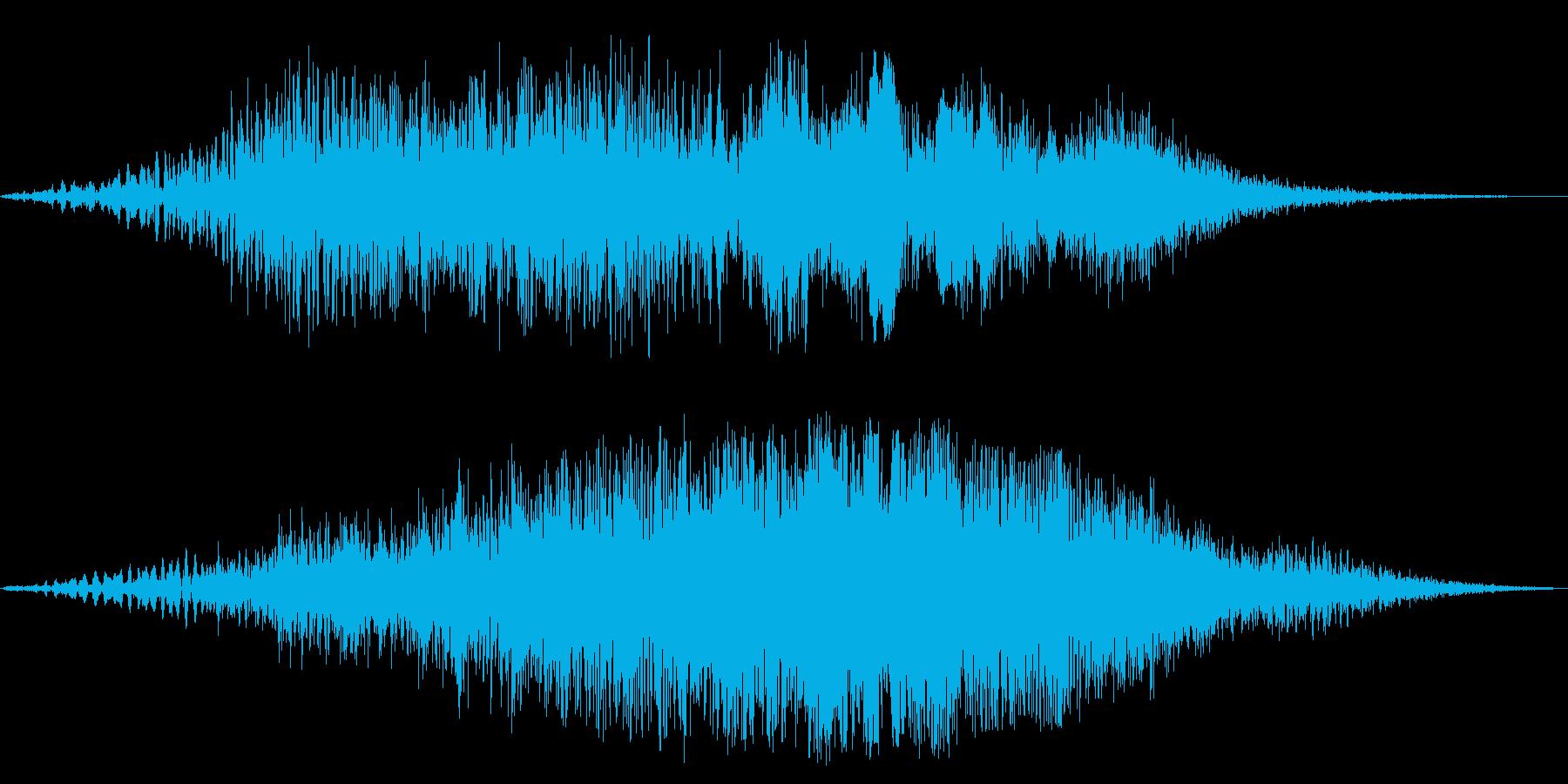 何かが空間(風の中)を通り過ぎていく音の再生済みの波形