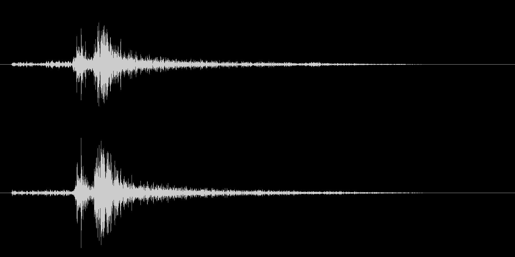 タン(的を射抜くような音)の未再生の波形