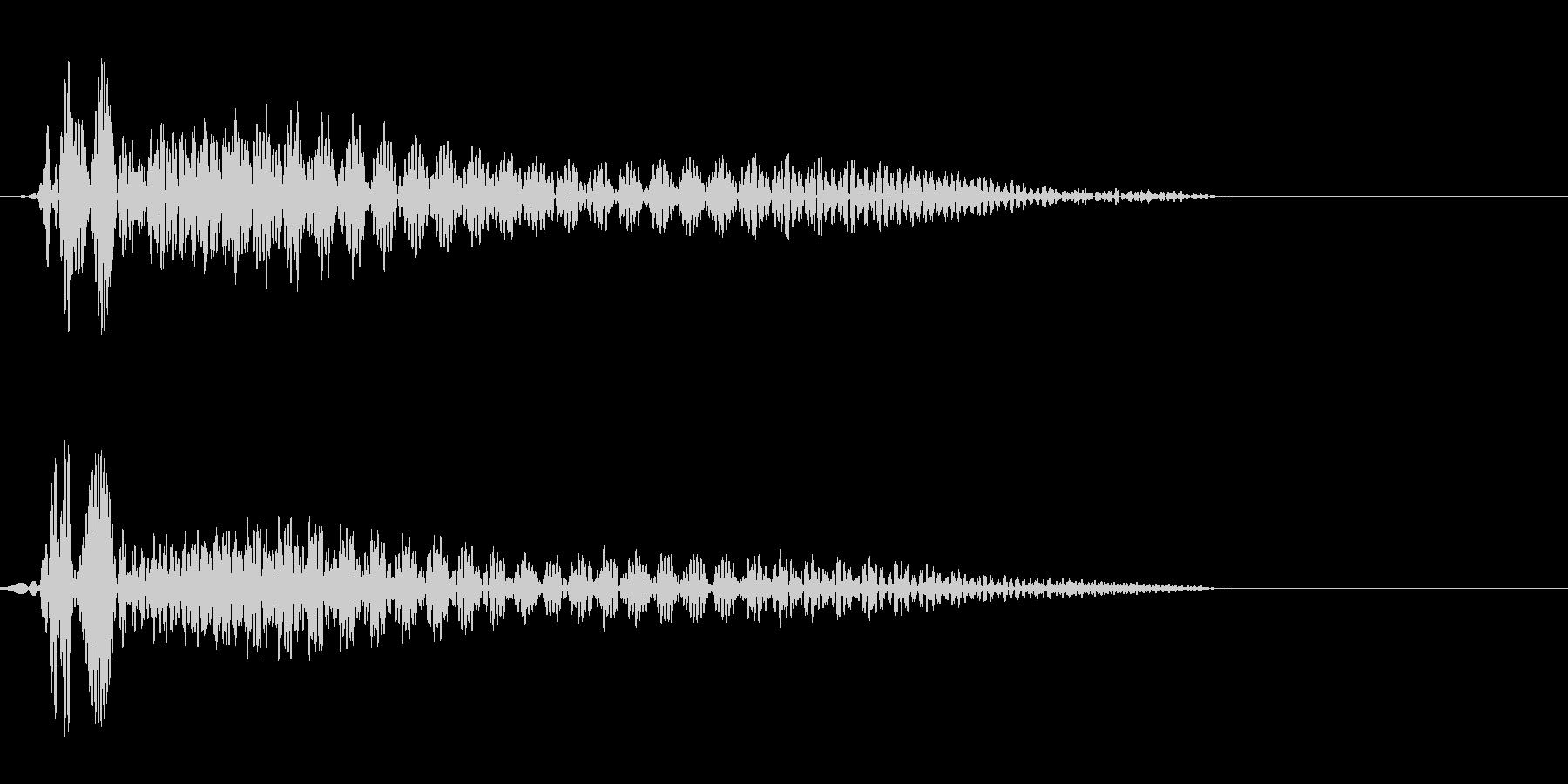 プウーン(シンプルで電子的な決定音)の未再生の波形