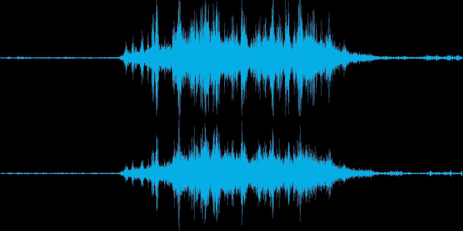 バイノーラル録音戦闘機8の再生済みの波形