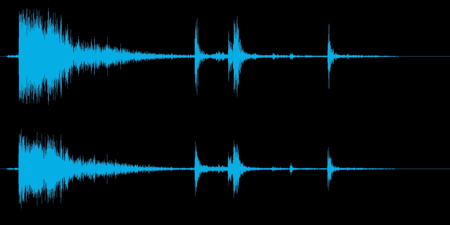 板や木を殴り割った音の再生済みの波形