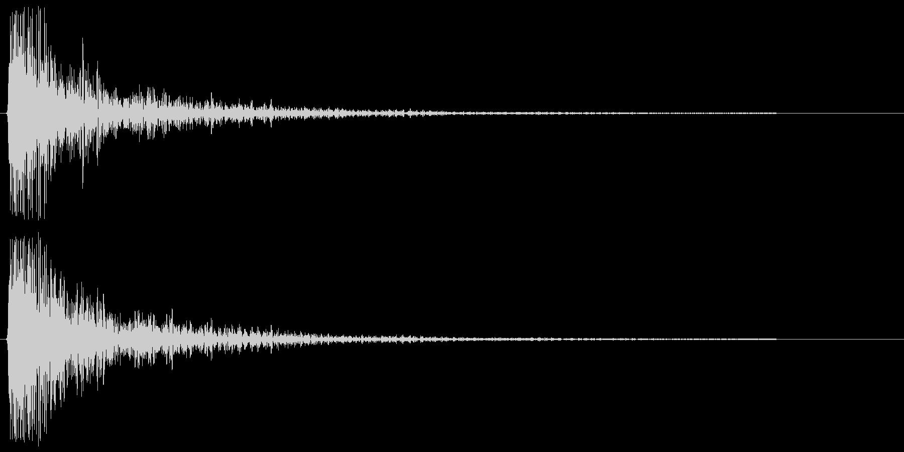 ドゥン。衝突・転ぶ・尻餅の音(シンプル)の未再生の波形