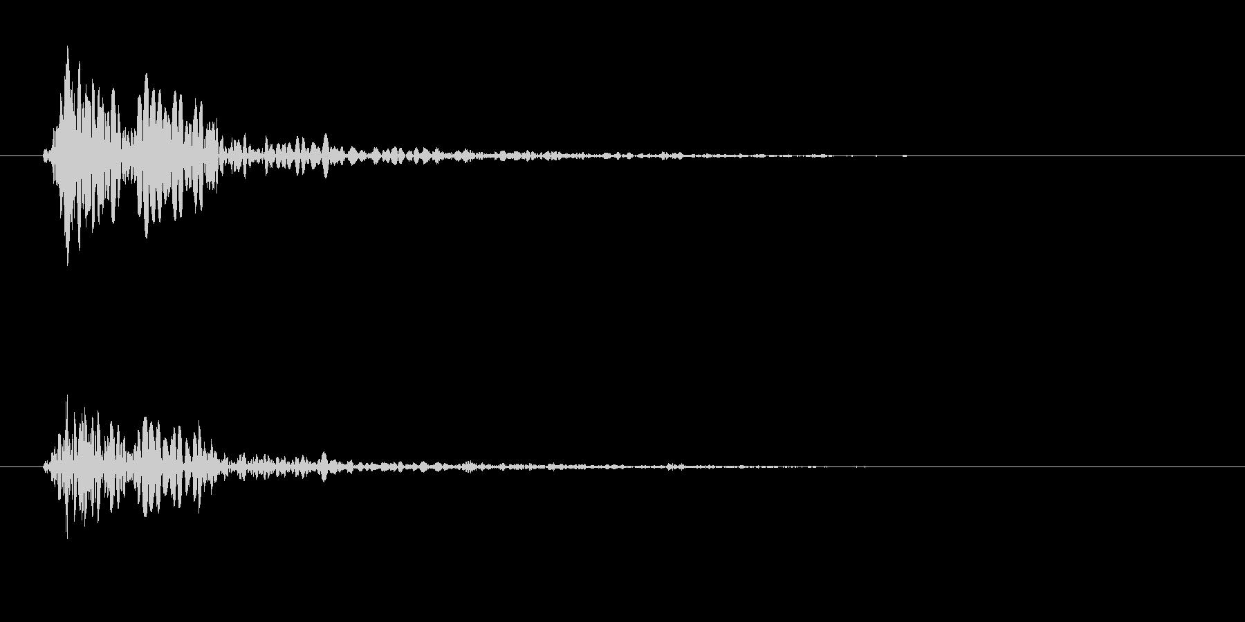 トン(木を叩く音06)の未再生の波形