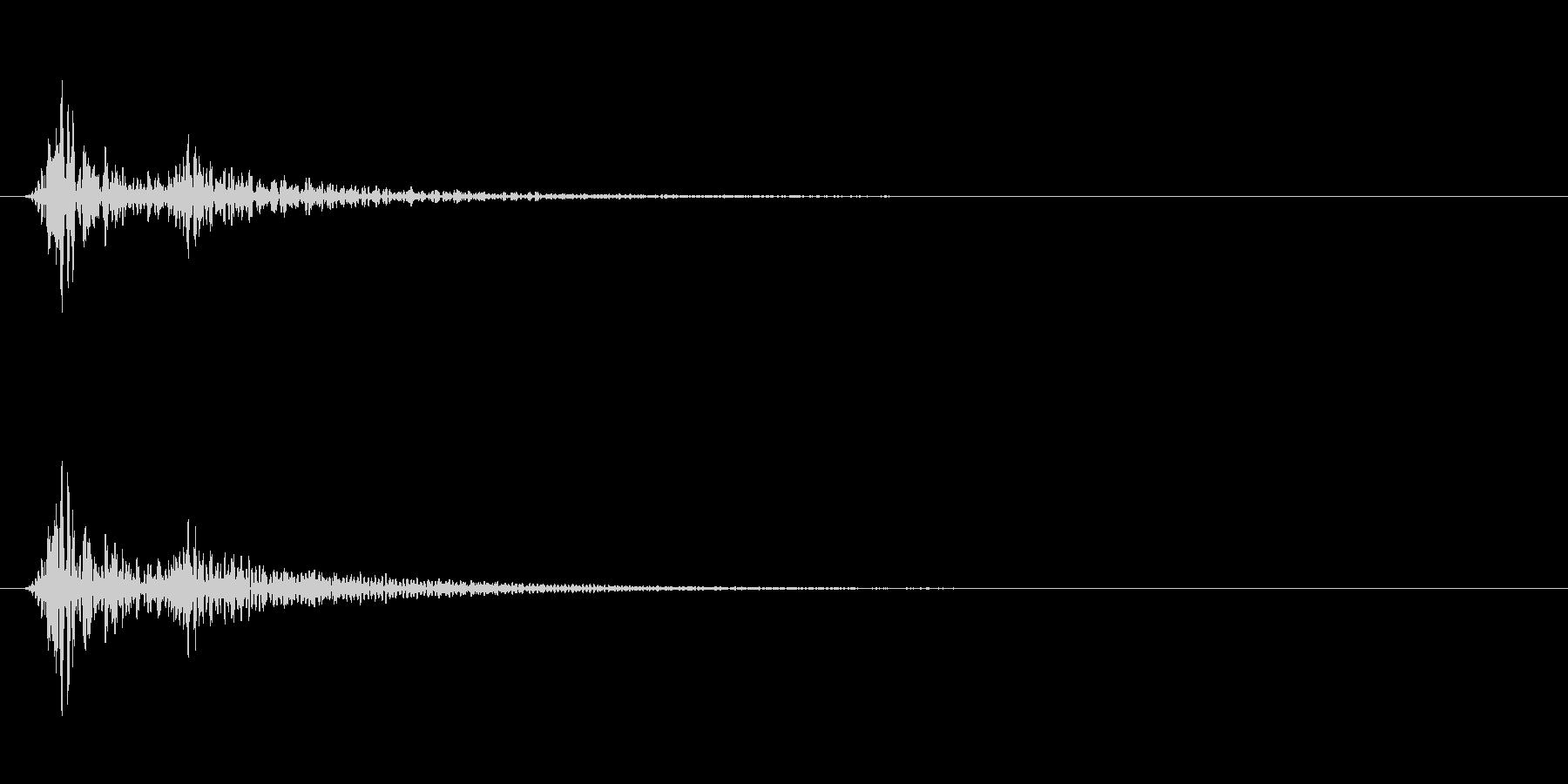 心臓の鼓動 単発(ドックン)の未再生の波形