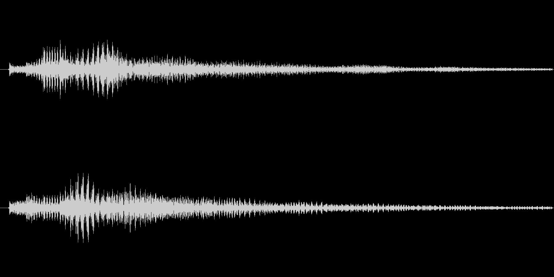 明るい雰囲気の「ぽろろん」という効果音…の未再生の波形