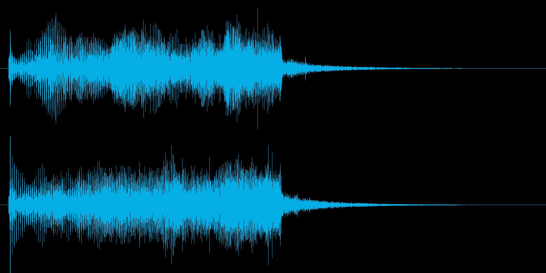 近未来的な機械の上昇音の再生済みの波形