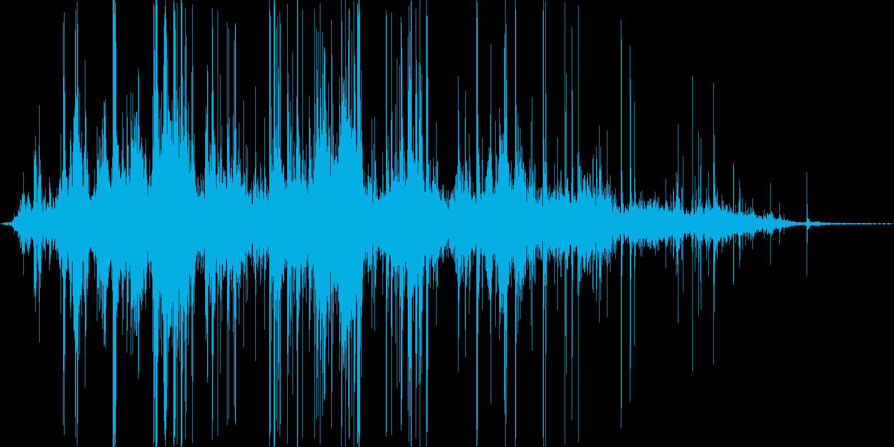 クシャクシャ..。紙をまるめる音の再生済みの波形