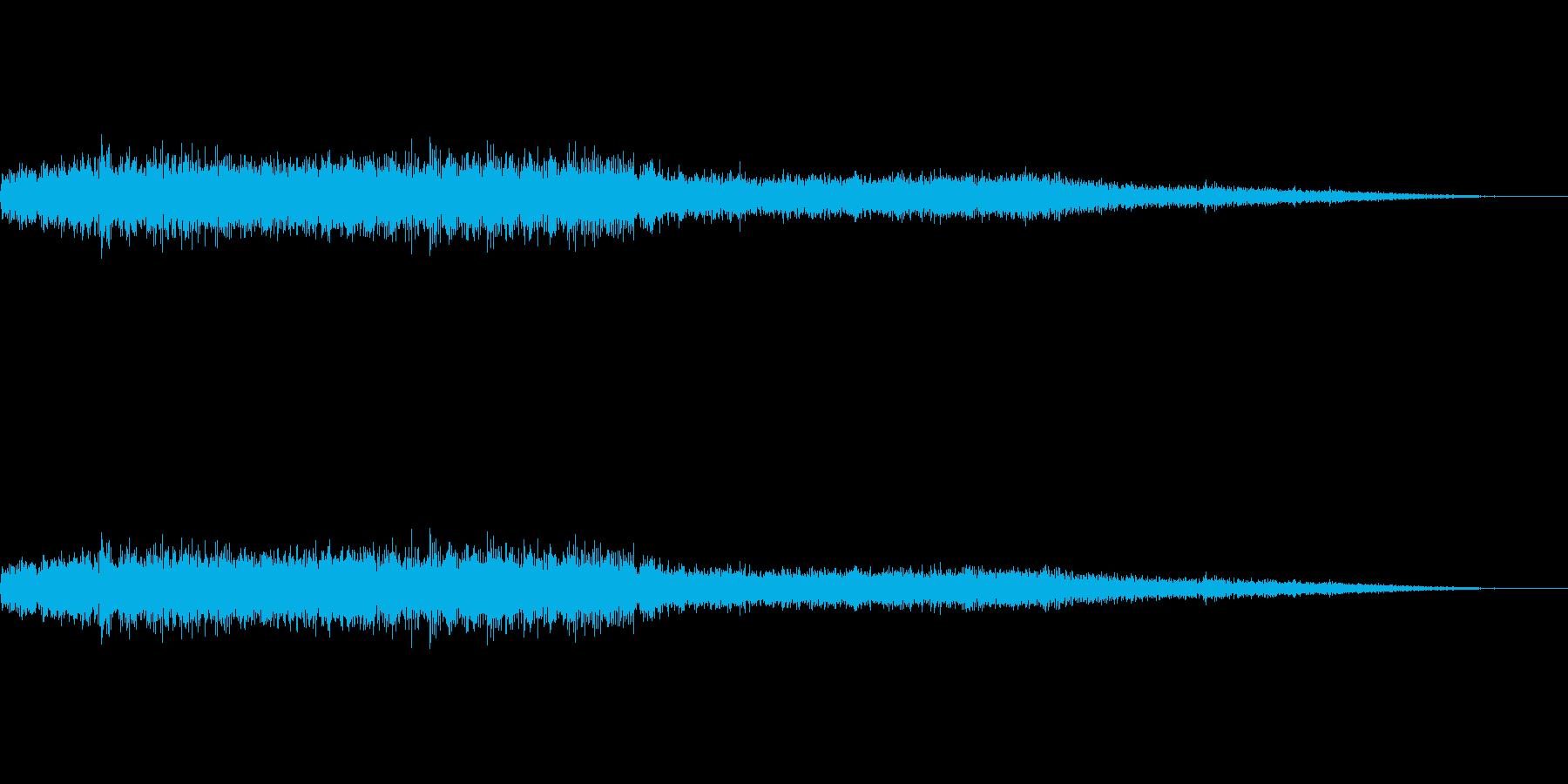 ギシギシ、キーン…田舎電車の車内音の再生済みの波形
