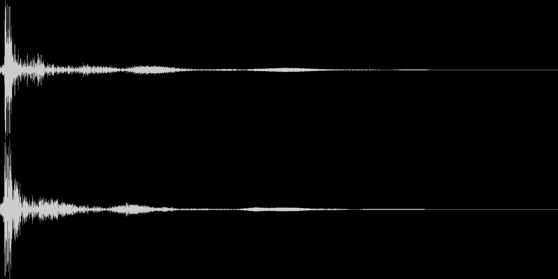 電気のスイッチを入れる(パチッ)の未再生の波形