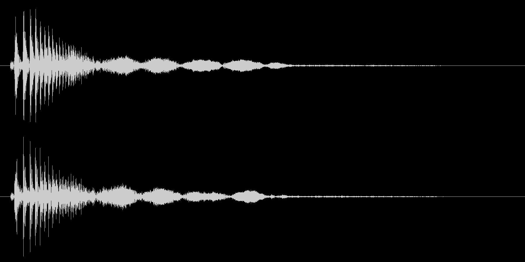 カンッ(タンバリンのような短い音)の未再生の波形