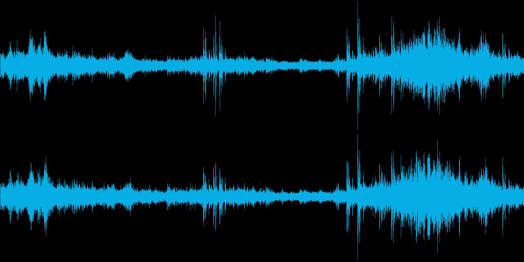 電車走行中(車内で録音)の再生済みの波形
