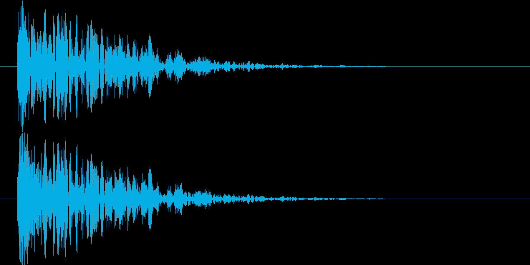 余韻短め 中規模な爆発音の再生済みの波形