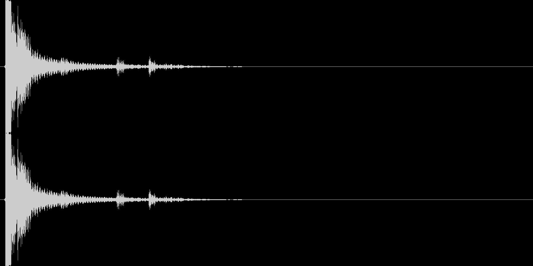 カチャン(コップの音、乾杯、落下、物音)の未再生の波形