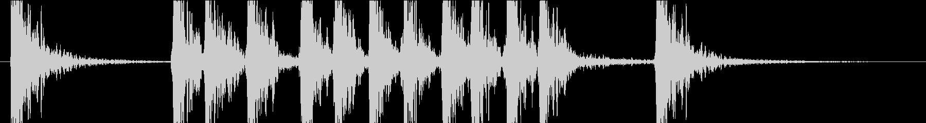 パンチ音 物を叩く ドスッの未再生の波形