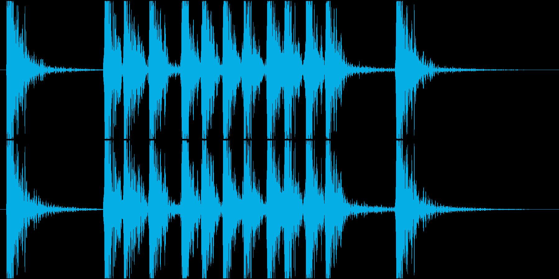 パンチ音 物を叩く ドスッの再生済みの波形
