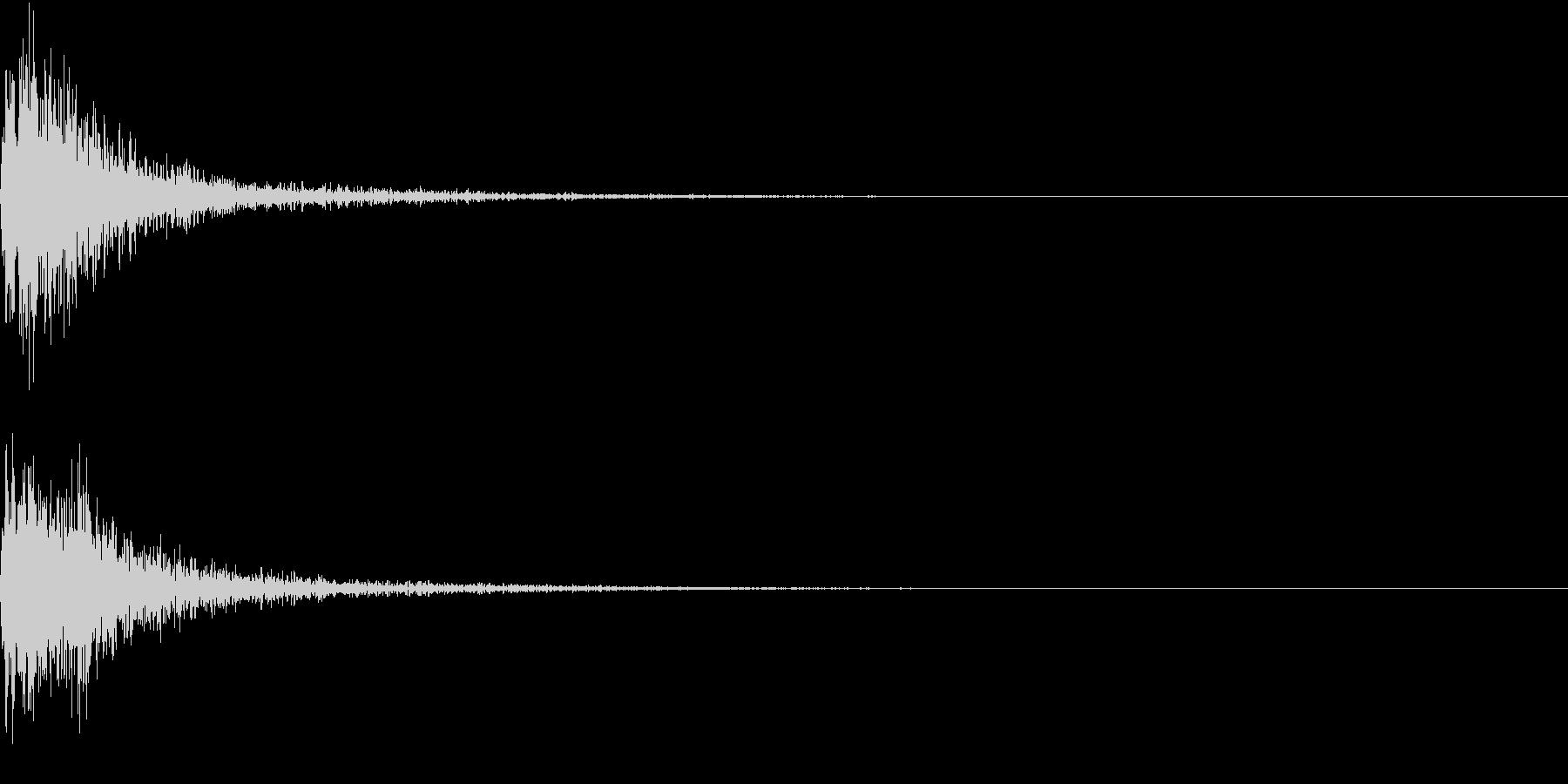 バーンとホラー的に物の落ちる音の未再生の波形