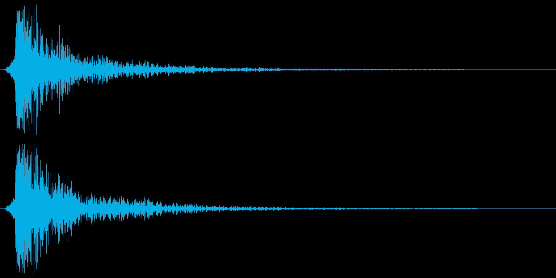バゥヮン。衝突・転ぶ・尻餅の音(派手)の再生済みの波形