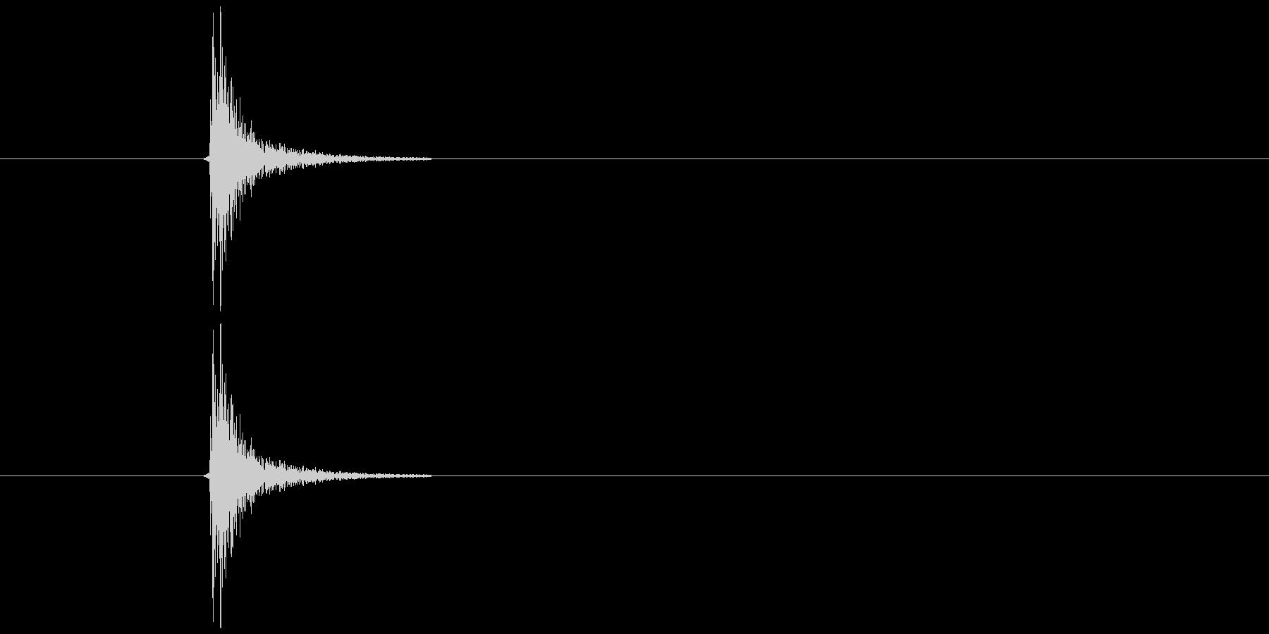 ポン(ペットボトルを叩く音)の未再生の波形