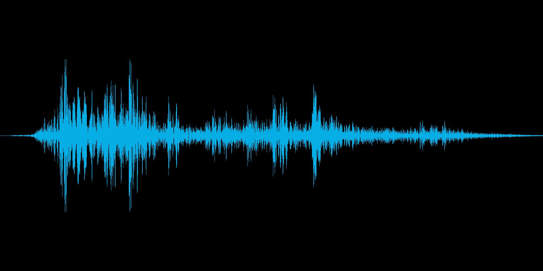 ドサッ(物が倒れる)の再生済みの波形