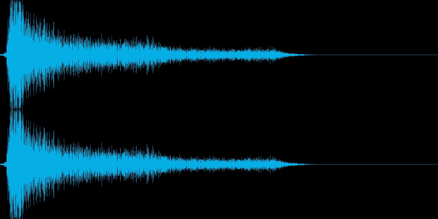 レトロゲームの金属音(剣で攻撃など)の再生済みの波形