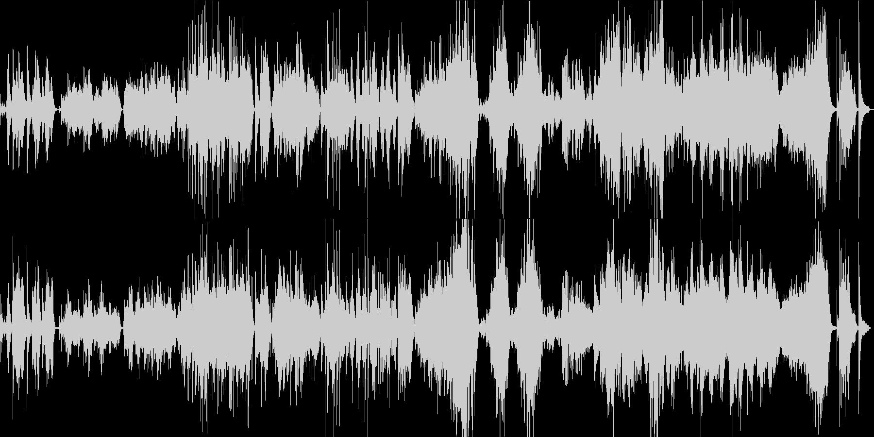透明感の中に怜悧さを放つピアノソロの未再生の波形