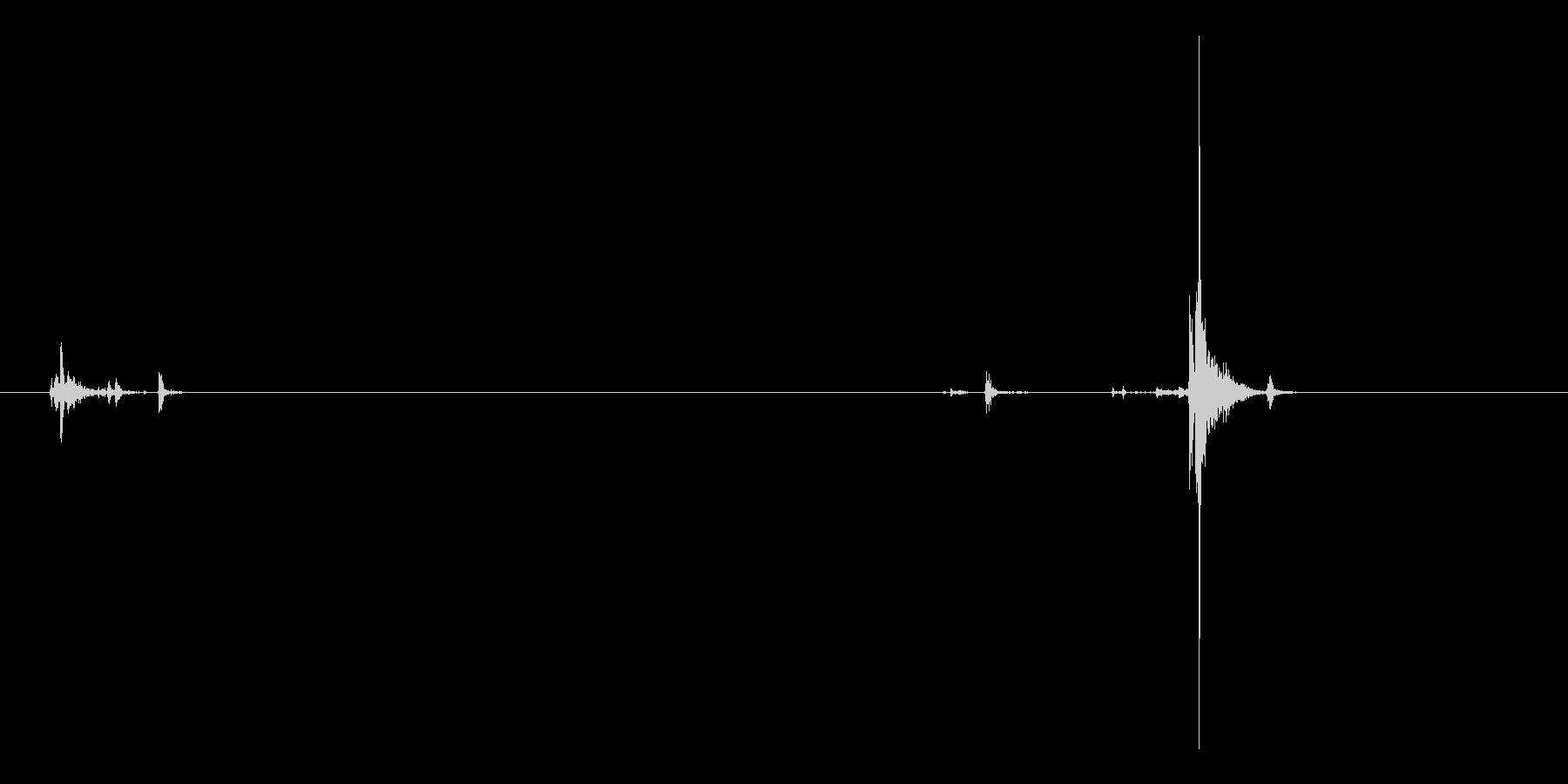 ハンドガン、イーグルタイプ。 マガジン…の未再生の波形