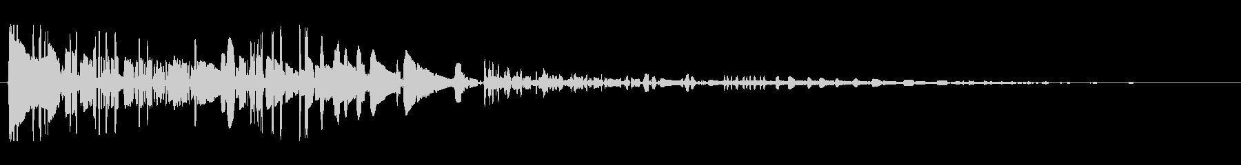 ドサッ(落下や倒れる衝撃音)05の未再生の波形