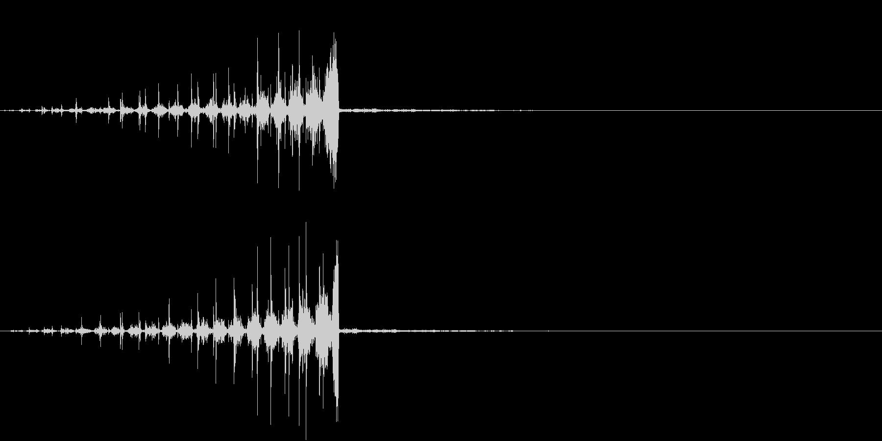 チクタクの音とともに迫ってくる音の未再生の波形
