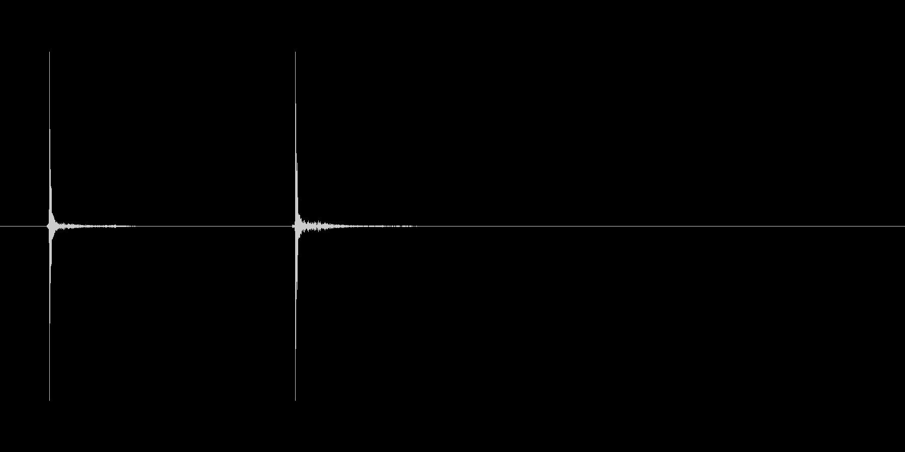 カチッ「ペンクリック音」の未再生の波形