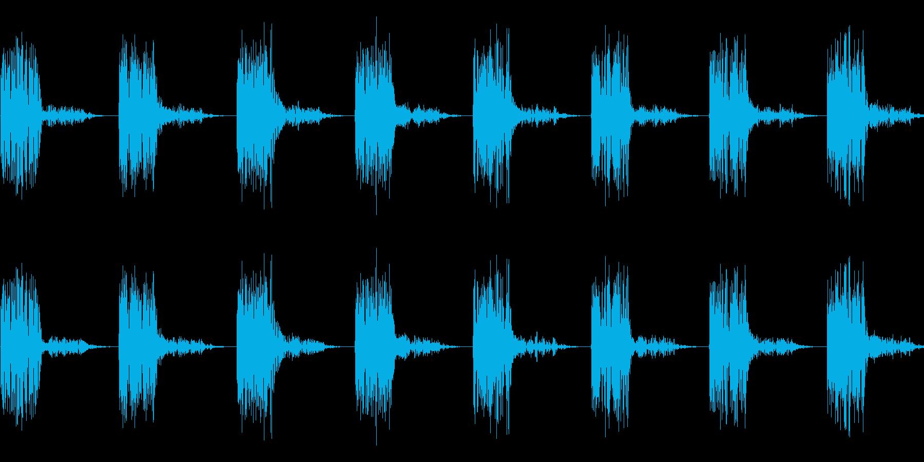 タタタタ(走る音、逃走音)の再生済みの波形