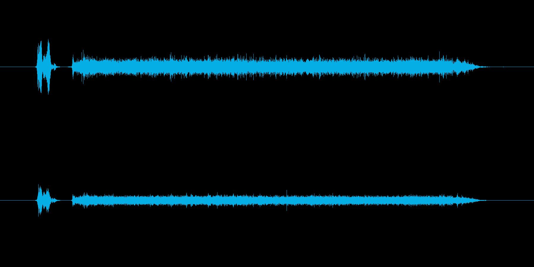 蛇口を捻り水が出る音の再生済みの波形