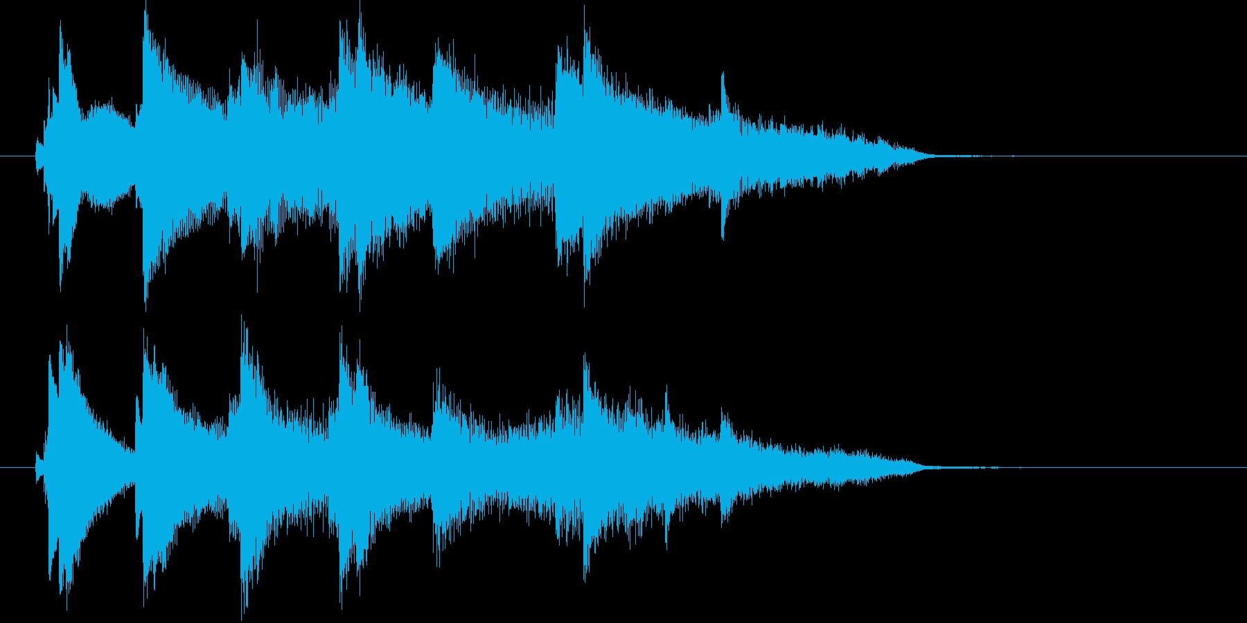 ピアノとストリングスの清らかなジングルの再生済みの波形