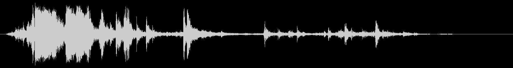 カラカラカラ(氷の音)の未再生の波形