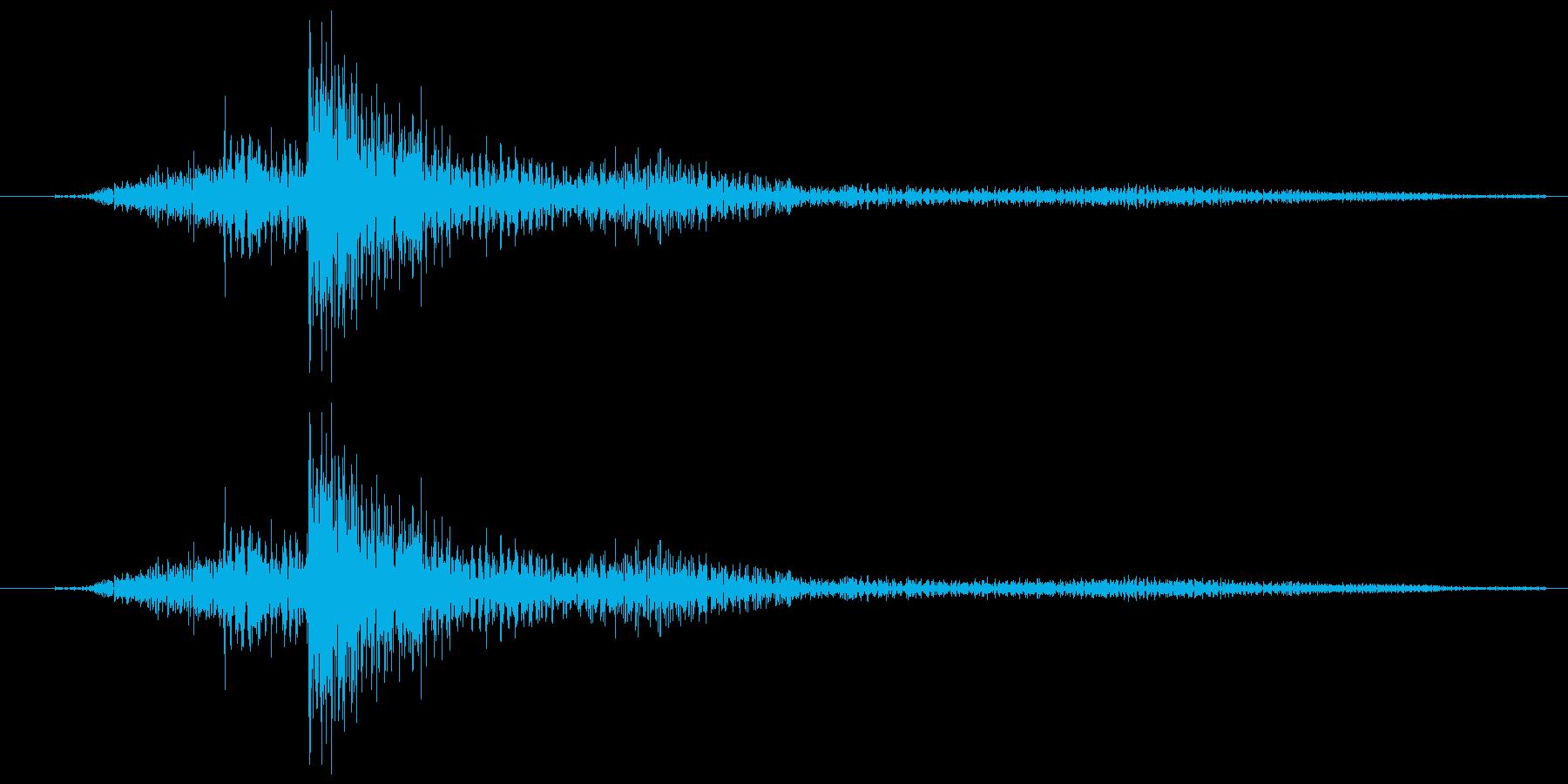 金属音の1回転する音の再生済みの波形