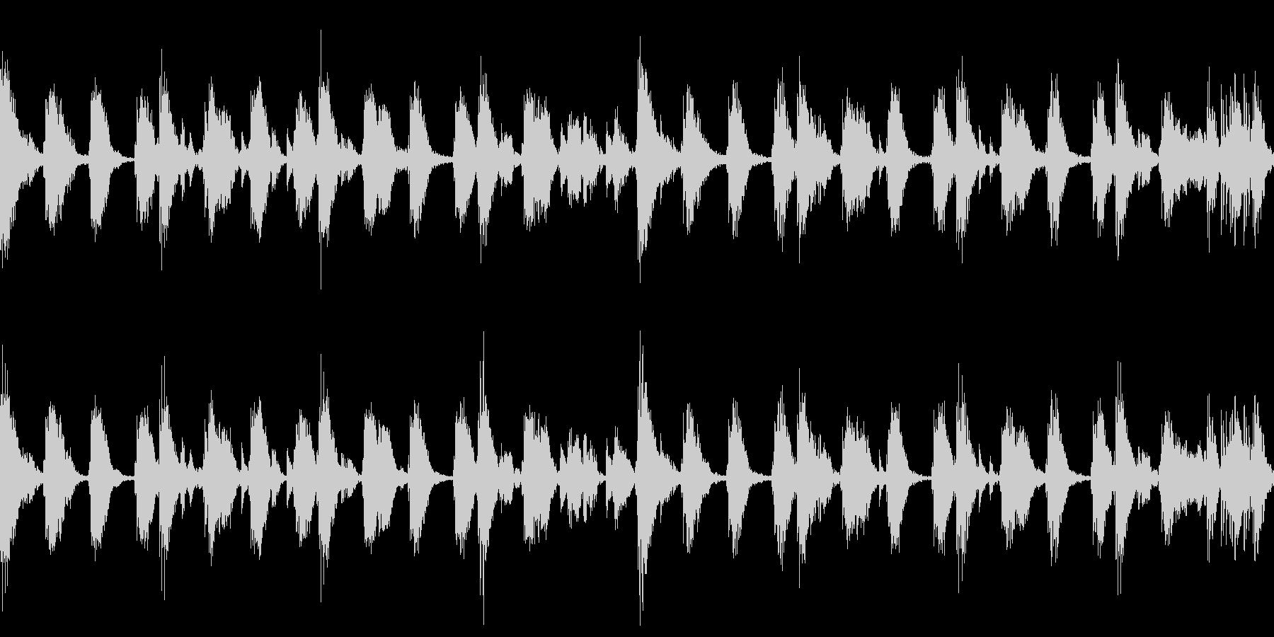 リズムに乗れると楽しいアンビエント曲 の未再生の波形