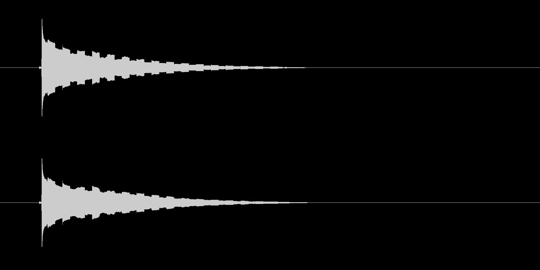 ピリリーン(鋭い高音の効果音)の未再生の波形