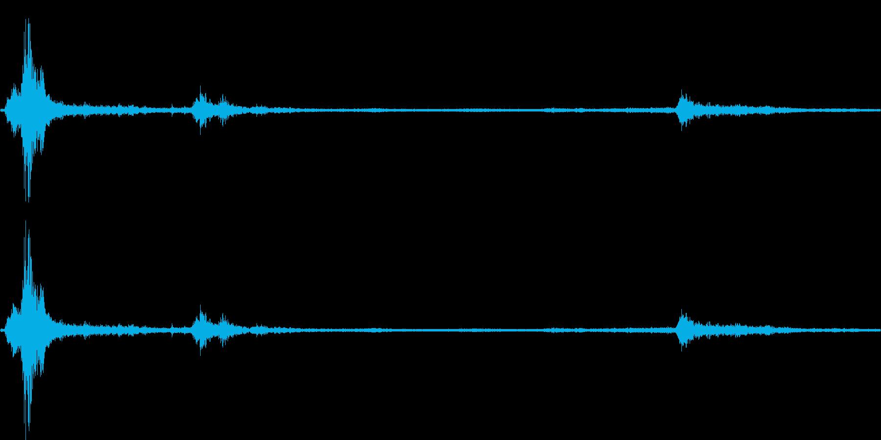 【生音】夏の日の雷 - 02 (蝉・雷…の再生済みの波形