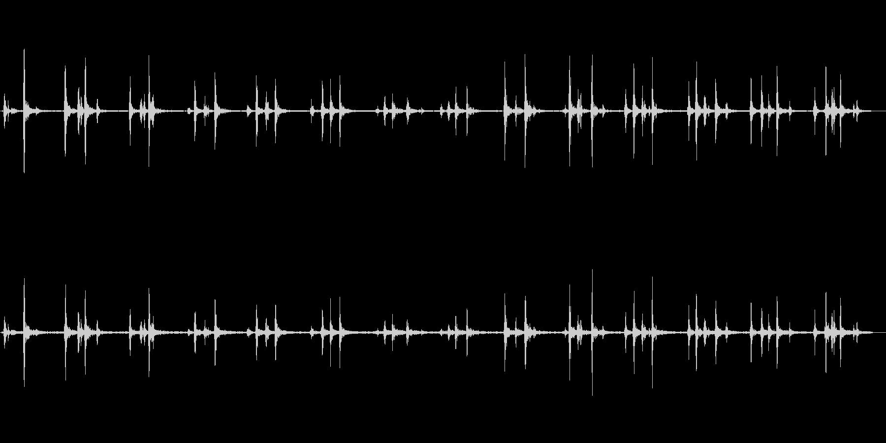 パカラッ(馬の足音)長めの未再生の波形