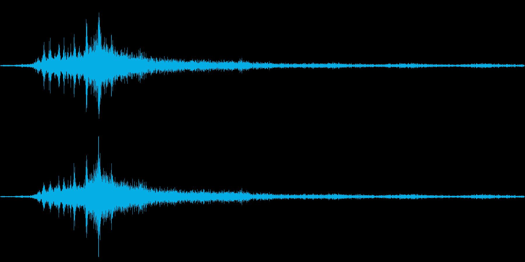 バイノーラル録音戦闘機7の再生済みの波形